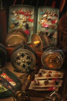 Antique and Vintage Fishing Tackle, Fishing Reels, Lures, Tackle ...
