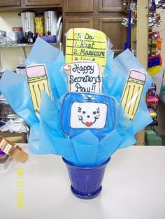 Secretary's day Staff Gifts, Teacher Gifts, Teacher Stuff, Secretary Gifts, Secretary's Day, Thank You Cookies, School Projects, School Ideas, School Holidays