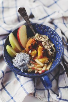 Bircher bowl--learn how to make one!