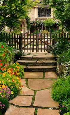 picket fence + slate path - LOVE!!!!!///PATH FROM DRIVEWAY TO GATE WITH SLATE