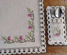 This Pin was discovered by Ila Cross Stitch Borders, Cross Stitch Flowers, Cross Stitch Designs, Cross Stitching, Cross Stitch Patterns, Crochet Patterns, Diy Embroidery, Cross Stitch Embroidery, Embroidery Designs