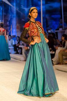 Delhi Style Blog: JJ Valaya India Bridal Fashion Week 2013