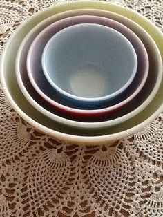 Set of 4 Primary Color Nesting Bowls