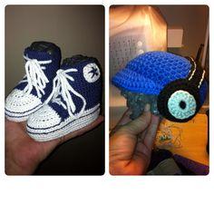 Crochet Converse Chuck Taylor baby boots. Crochet baby headphones cap