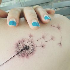 Dandelion  close --------- up!  #tattoo #tattoos #ink #flowertattoo #dandeliontattoo #tattooisthongdam