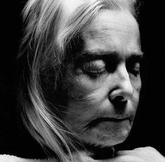 Edelgard Clavey after her death by Walter Schels Walter Schels, A Beautiful Lie, Beautiful People, Post Mortem Photography, Wellcome Collection, Best Documentaries, Momento Mori, End Of Life, Life And Death