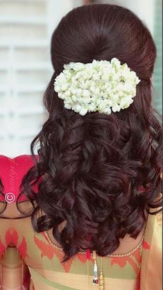 Weddng hair ethnic hairstyles в 2019 г. Saree Hairstyles, Ethnic Hairstyles, Wedding Hairstyles For Long Hair, Bride Hairstyles, Hairstyles Haircuts, Indian Hairstyles For Saree, Brunette Hairstyles, Straight Hairstyles, Bridal Hair Buns