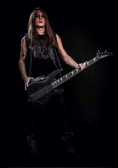 You better watch your back! This is the new Nasty Ratz' bass man! Welcome him in our family, Ratz #nasty #ratz #hell