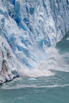 Falling Glacier - Lago, Argentina