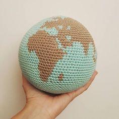Bola del mundo amigurumi ganchillo