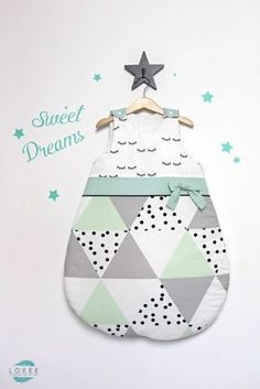 Trendy Sewing Projects For Baby Room Kids Sewing Room Design, Sewing Machine Accessories, Diy Bebe, Baby Couture, Creation Couture, Sewing Patterns Free, Pattern Sewing, Free Pattern, Baby Sewing