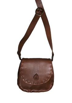 b1cf3d2596 Handmade in Canada 1970 vintage Genuine thick soft tan brown Cowhide Leather  festival SADDLEBAG flap close