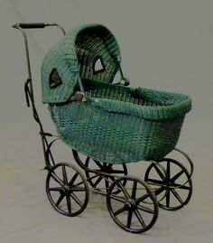 Woven Wicker Doll's Baby Carriage, c. Vintage Pram, Vintage Dolls, Post Bus, Prams And Pushchairs, Dolls Prams, Baby Buggy, Retro, Baby Prams, Strollers