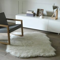 Very soft and comfortable, it adds a decorative touch to your bedroom or living room.Livio mock sheepskin acrylic, polyester, 1200 height: Size of Livio faux sheepskin rug:Width: Living Room Shop, Living Room Carpet, Home And Living, Living Room Decor, Nordic Living, Dining Room, Beige Carpet, Diy Carpet, Hall Carpet