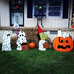 """Our """"It's the Great Pumpkin, Charlie Brown"""" yard art we made."""