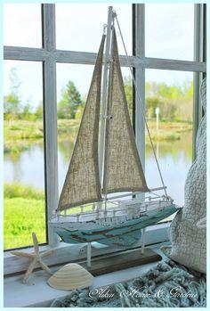 Aiken House & Gardens: The Summer Boathouse - Arredamento estivo Beach Cottage Style, Coastal Cottage, Coastal Homes, Beach House Decor, Coastal Style, Coastal Decor, Seaside Decor, Lake Cottage, Coastal Living