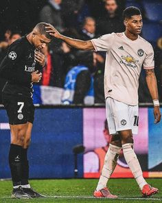 6 Likes, 2 Comments - Soccer Manchester United Old Trafford, Manchester United Football, Manchester Derby, Manchester City, Football Fans, Football Players, Manchester United Wallpaper, Jesse Lingard, Coventry City
