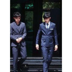 Proudly present 6 buttons and striped midnight blue suit by Khun Junior. Thank you for choosing DNA _/|\_  DNA ✂ สูท กั๊ก เชิ้ต กางเกง โบว์ ไท pin ผ้าเช็ดหน้า ที่เดียวจบค่ะ👌  DNA สยามสแควร์ซอย 3 และสาขาสีลมคอมเพล็กซ์ชั้น G เปิดถึง 3 ทุ่ม🌛ทุกวัน BTS 🚅💨มาถึงทั้ง 2 สาขานะคะ  siamsquare soi 3: 02-658-3807, 089-477-6968 silom complex: 02-231-3204, 086-775-9787  facebook:www.facebook.com/dnasiam IG: dnamenclothing Line: dnaclothing  #สูทผู้ชาย #รับตัดสูท #สูทเจ้าบ่าว #สูทเข้ารูป #SlimSuit…