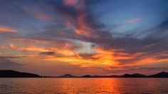 05 Sept. 18:47 博多湾小焼け(sunset glow)です。 ( Evening Now at Hakata bay in Japan)