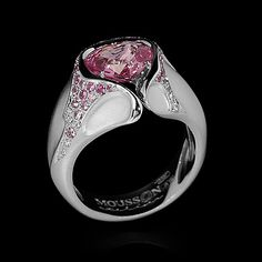 Mousson atelier, collection Heartbeat, ring, white gold 750, pink sapphire 2,21 ct., diamonds, pink sapphires