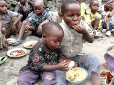 This may be their only meal this week but that did not stop them from sharing. #sosweet #africa #sharing #feedingprogram #changinglives #children