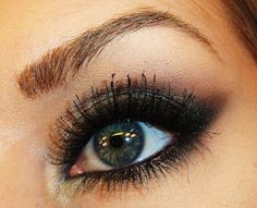 TiffanyD: Midnight Black Cat Eye Makeup Tutorial: Naked 2 Palette