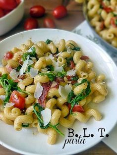 Bacon Lettuce and Tomato Pasta - loaded with all the perfection of a BLT sandwich, but in a wonderfully glorious pasta dish that is utterly simple to make! Pasta Recipes, Salad Recipes, Dinner Recipes, Cooking Recipes, Healthy Recipes, Pasta Dishes, Food Dishes, Side Dishes, Main Dishes