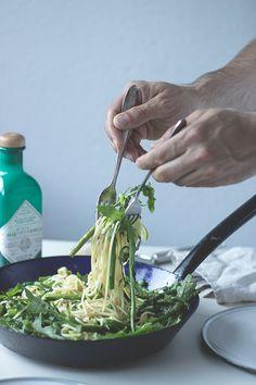 Einfaches und schnelles Rezept für Grüne Sommergemüse-Pasta. Holunderweg18