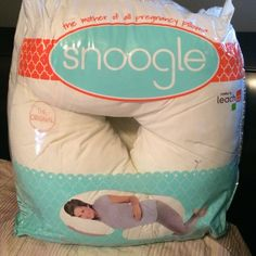 Pregnancy body pillow In good condition. Snoogle Accessories