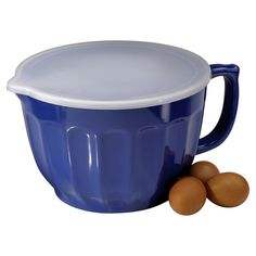Batter bowl with a handle and pour spout.  Product: Bowl and lidConstruction Material: MelamineColor...