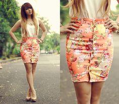 Floral print button-up pencil skirt (Les fleurs by Anastasia Siantar on Lookbook)