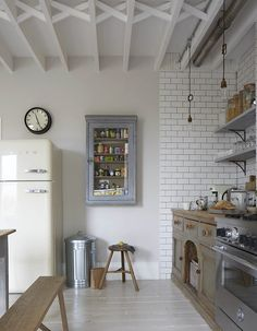 8 Genuine Tricks: Cozy Minimalist Kitchen Interior Design minimalist home scandinavian shelves.Minimalist Bedroom Inspiration Grey boho minimalist home white walls. Kitchen Interior, New Kitchen, Kitchen Dining, Kitchen Tiles, Eclectic Kitchen, Smart Kitchen, Kitchen Small, Kitchen Furniture, Kitchen Storage