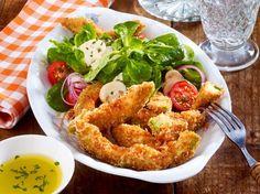 Unser beliebtes Rezept für Avocado-Fries mit buntem Salat und mehr als 55.000 weitere kostenlose Rezepte auf LECKER.de.