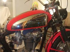 Ducati Scrambler 350 Ducati Desmo, Ducati Scrambler, Old Bikes, Classic Bikes, Motorbikes, Cars Motorcycles, Old School, Honda, Wheels