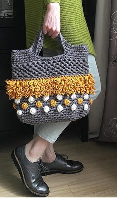 Cute Crochet Free Bag Pattern Design Ideas and Images - Daily Crochet! - Cute Crochet Free Bag Pattern Design Ideas and Images – Daily Crochet! Cute Crochet Free Bag Pattern Design Ideas and Images – Daily Crochet! Crochet Handbags, Crochet Purses, Crochet Bags, Crochet Gratis, Cute Crochet, Easy Crochet, Crochet Bag Tutorials, Tutorial Crochet, Crochet Free Patterns