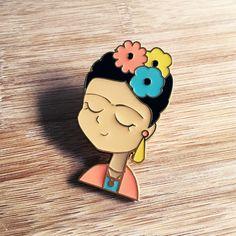 ICÔNE Frida Kahlo émail épinglette par HelloMissMay sur Etsy