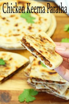 My take on the delicious chicken keema paratha. It's basically a flatbread stuffed with minced chicken. Combined together with spiced up minced chicken, it's really something that you need to try. Keema Recipes, Paratha Recipes, Mince Recipes, Turkey Recipes, Cooking Recipes, Bread Recipes, Diet Recipes, Healthy Recipes, Easy Asian Recipes
