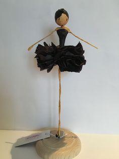 - Her Crochet Paper Mache Clay, Paper Mache Crafts, Paper Mache Sculpture, Wire Crafts, Paper Clay, Doll Crafts, Fun Crafts, Paper Art, Wooden Dolls