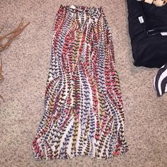 Maxi skirt with slit Long printed sheer maxi skirt with built in tan shorts. So cute and trendy!! Perfect for spring!! Brandy for visibility Brandy Melville Skirts Maxi