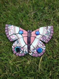 Butterfly by Wendy's Mosaic Designs Mosaic Tray, Mosaic Tile Art, Mosaic Glass, Stained Glass, Butterfly Mosaic, Butterfly Crafts, Garden Tiles, Mosaic Garden, Mosaic Designs