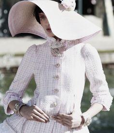 Chanel cruise 2013. Carolina Thaler.