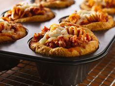 "10 different ""muffin tin meals."" Thinking tailgates and lunches..."