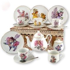 Reutter Porcelain Fairies Large Children's Kids Tea Set in Case, Gold