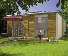 Sie wollen ein kleines Haus bauen - als Eigenheim oder Wochenenddomizil? Dann ist ein Minihaus genau das Richtige. Jetzt alle Informationen ansehen!