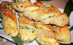 Érdekel a receptje? Fancy Appetizers, Appetizer Recipes, Dessert Recipes, Hungarian Desserts, Hungarian Recipes, Bread Baking, Bread Rolls, Main Dishes, Bakery