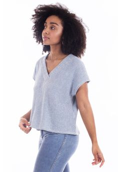 Looking for a top sewing pattern? The Tabor v-neck t-shirt by Sew House 7 is perfect, read sewing pattern reviews here!