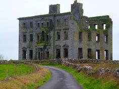 Paddys Wagon: Peeking into the Abandoned Mansions of Ireland
