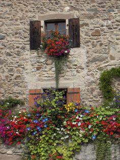 France Yvoire Village fleuri 1 | da qing4fun