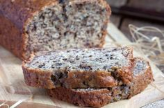 The Best Low Carb Banana Bread Recipe (Keto-Friendly) Banana Bread Low Carb, Cinnamon Banana Bread, Coconut Banana Bread, Best Low Carb Bread, Coconut Flour Bread, Lowest Carb Bread Recipe, Almond Flour Recipes, Easy Banana Bread, Banana Bread Recipes