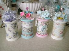 7 Astounding Useful Tips: Shabby Chic Curtains Old Doors shabby chic fabric rag quilt.Shabby Chic Baby Shower Burlap shabby chic curtains old doors. Cute Crafts, Diy And Crafts, Arts And Crafts, Paper Crafts, Wooden Spool Crafts, Wooden Spools, Shabby Chic Crafts, Vintage Crafts, My Sewing Room